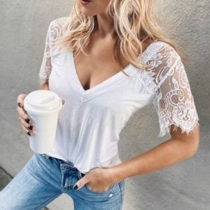 SUSAN Lace Vneck Short Sleeve Top